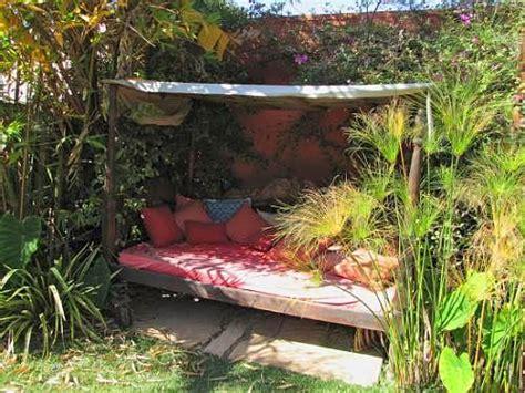 Canapy Beds ideas para decorar rincones en jardines y patios ideas casas