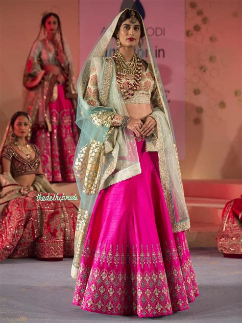 amazon india anju modi at amazon india couture week 2015 an indian