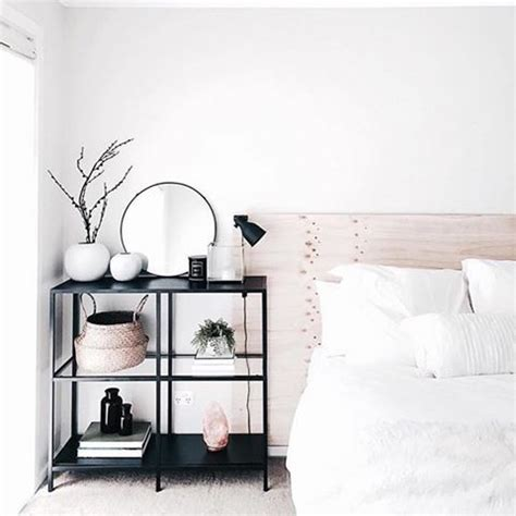 minimalist bedroom decorating ideas 25 best ideas about minimalist bedroom on pinterest bedroom design minimalist