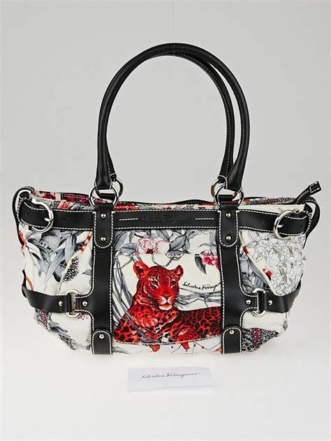 Salvatore Ferrragamo Bag W2498 salvatore ferragamo multicolor fiera print shoulder bag yoogi s closet