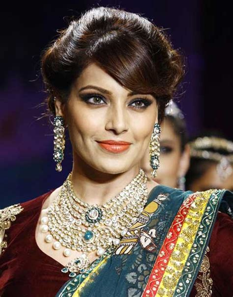 indian actress catwalk bollywood actresses at catwalk of india int l jewelry week