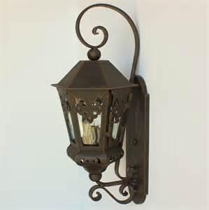 Wrought Iron Outdoor Light Fixtures Authentic Colonial Outdoor Exterior Lighting Lantern