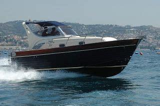 gozzo planante cabinato mimi gozzo cabinato libeccio 26 yachtopolis
