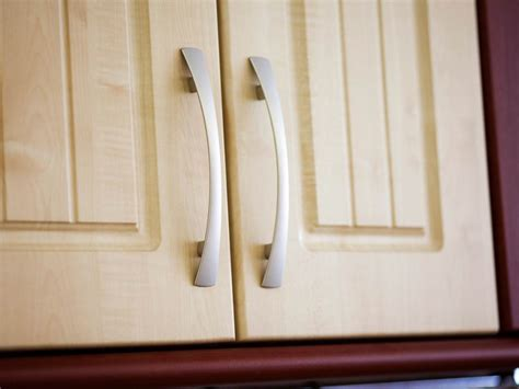 kitchen cabinet pulls ideas favorite ideas for kitchen cabinet handles naindien