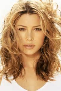 layered beachy medium length haircut modern wavy hairstyle ideas for medium length hair 2016