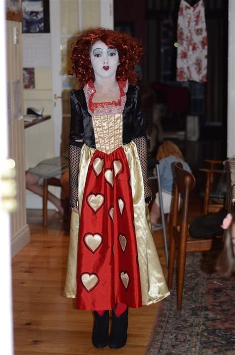 sewing pattern queen of hearts bernina halloween 2011 queen of hearts costume sewing