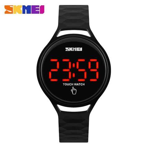 New Jam Tangan Sporty Digital Pria Dan Wanita jual jam tangan wanita skmei digital sport led touch original 1230a