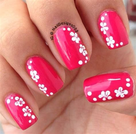 flower pattern on nails hawaiian flowers flower designs and hawaiian nails on