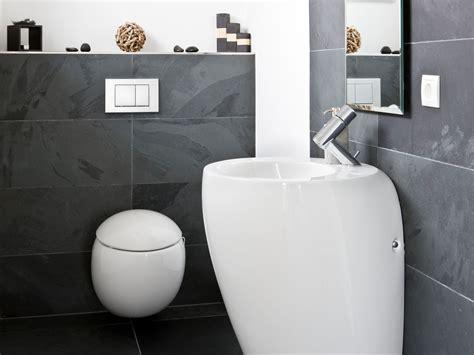 fliesen schiefer ein modernes und geradliniges bad mit elegantem interieur