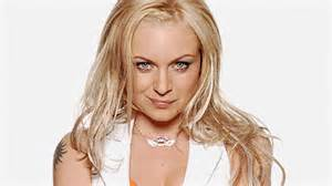 Roxy mitchell wallpaper containing a headshot in the ronnie and roxy