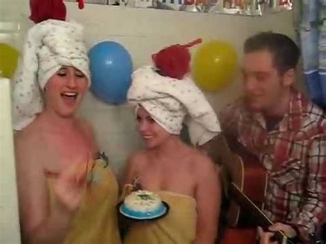 perrys bathrooms hot and cold katy perry ellen s bathroom series contest