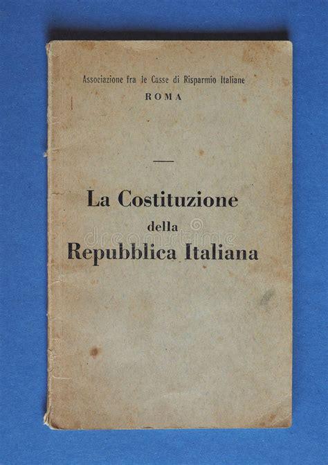 libro histoire de la rome libro italiano de la constituci 243 n en roma foto editorial imagen de editorial impreso 86638856