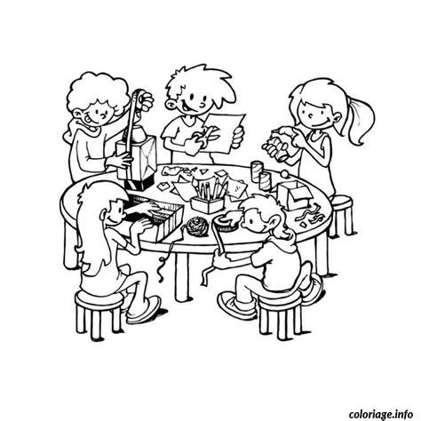 dessin chambre d enfant coloriage groupe d enfants seance bricolage dessin