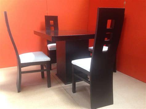 comedor  sillas minimalista color chocolate