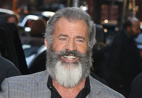 mel gibson mel gibson says hacksaw ridge is not a war touts