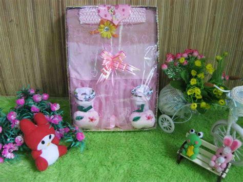 Paket Kado Hadiah Tas Troli Trolley Anak Boneka Murah paket kado bayi soft pink cantik baju bayi celana bayi celana panjang bayi topi bayi selimut