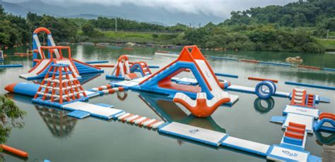 inflatable waterpark  tai po   steps