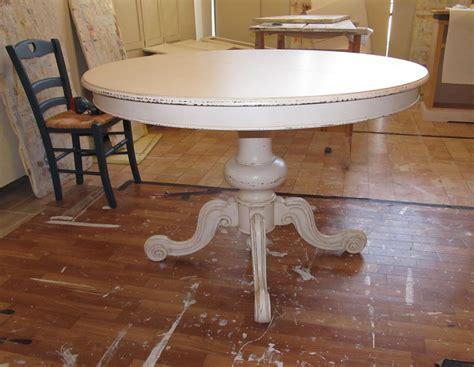 tavolo con gamba centrale tavolo rotondo shabby con gamba centrale lavorata