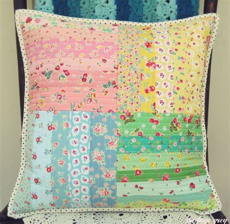 Quilt Patterns For Pillows by Best 25 Quilted Pillow Ideas Only On Quilt