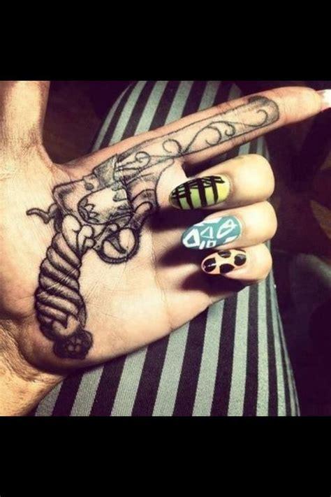 tattoo gun won t work dope hand tattoo body art pinterest tattoo tatting