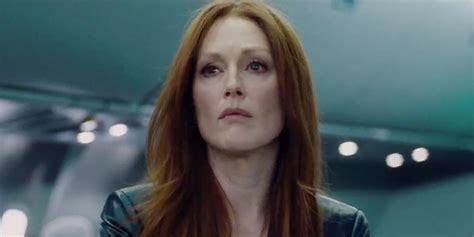 julianne moore hair colour from the drug store what to expect from julianne moore in kingsman the golden