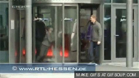 Justin Bieber Runs Into Glass Door Walking Into Glass Door Memes