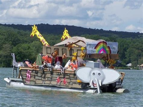 boat parade ideas the 25 best boat parade ideas on pinterest christmas