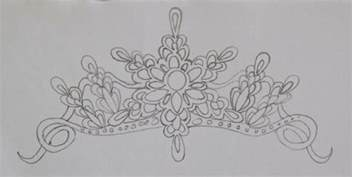 make your own tiara template royal icing tiara tutorial cakecentral