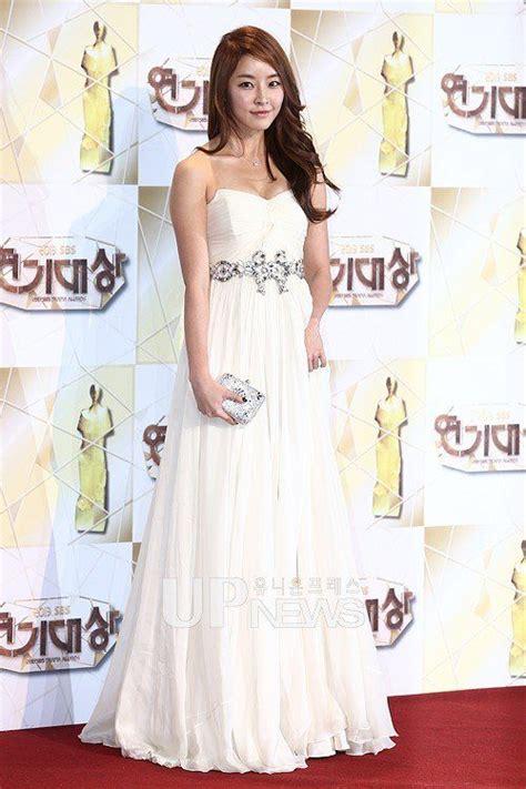 korean actress gown jeong yoo mi 정유미 korean celebs long gowns dresses