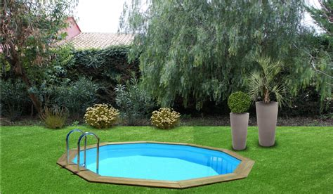 Paysager Un Petit Jardin by Am 233 Nagement Paysager Du Jour Une Piscine Contemporaine