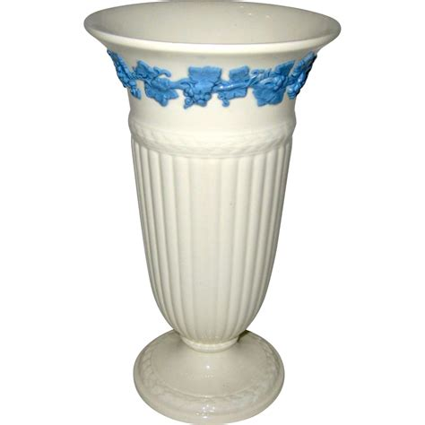 Wedgwood Queensware Vase wedgwood of etruria barlaston 8 3 4 quot s ware vase 1964 from suzanstreasures on ruby