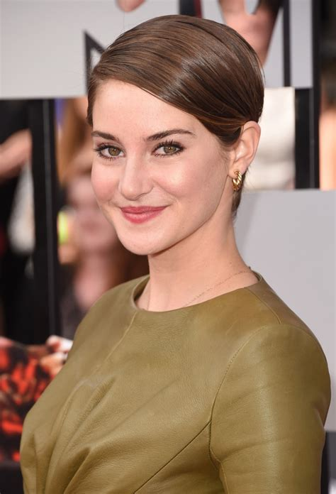 hairstyles lookbook shailene woodley side parted straight cut short