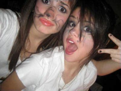 selena gomez and demi lovato best friends forever selena and demi lovato best friends forever bffselena and