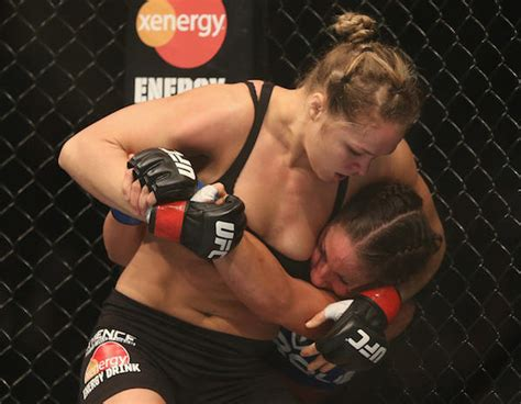Rond Rousey Wardrobe Malfunction | here are 40 ronda rousey facts and photos you either love