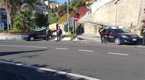 arresti a giardini naxos giardini naxos tentano di rubare uno scooter arrestati