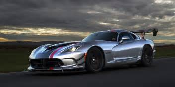 dodge goes all out with the 2016 viper acr