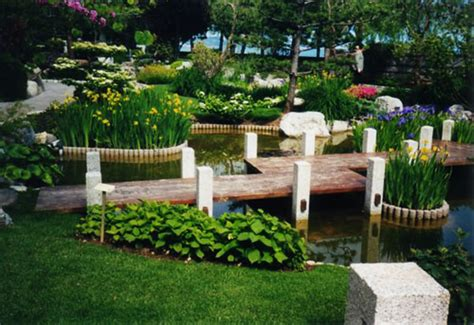 Small City Backyard Ideas 35 Lovely Pathways For A Well Organized Home And Garden