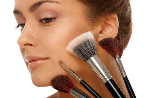 Kuas Make Up Revlon ciricara cara til cantik di awal tahun baru ciricara