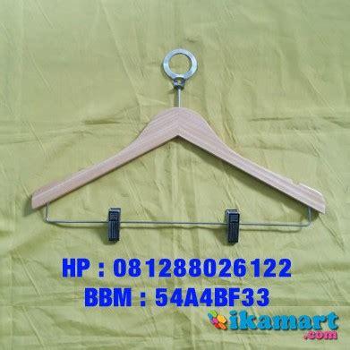9000 Gantungan Kayu Hanger Kayu jual gantungan baju hanger kayu hanger hotel fashion lainnya