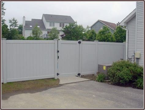 how much does it cost to fence a backyard how much does it cost to build a fence woodworking