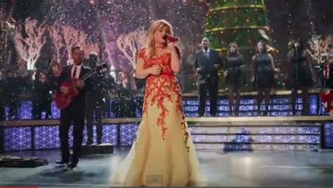 kelly clarkson christmas special american idol net