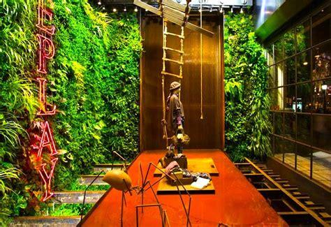 living interior gardens central park living wall
