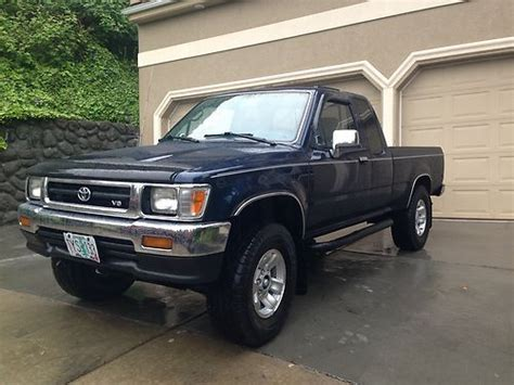 how cars run 1994 toyota xtra interior lighting find used 1994 toyota pickup sr5 4x4 extra cab 3 0 v6 automatic 2nd owner fully loaded in