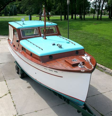 Speed Boat With Cabin For Sale by Starboard Side Of 28 Chris Craft Classic Wooden Cabin