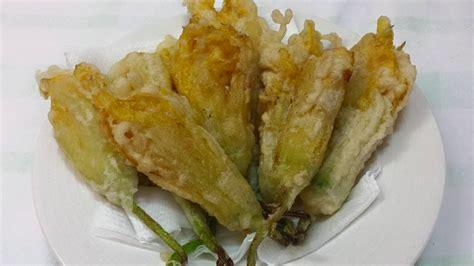 ricetta fiori di zucca fritti ripieni fiori di zucca ripieni e fritti in pastella e la