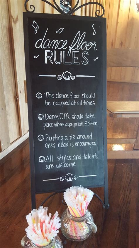 Wedding chalkboard sign for dancing rules! Love this fun