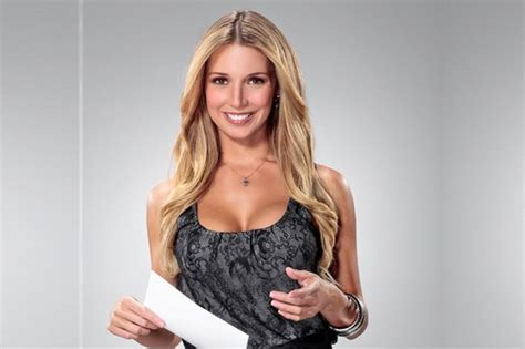 hottest news top 10 hottest news anchors in the world right now
