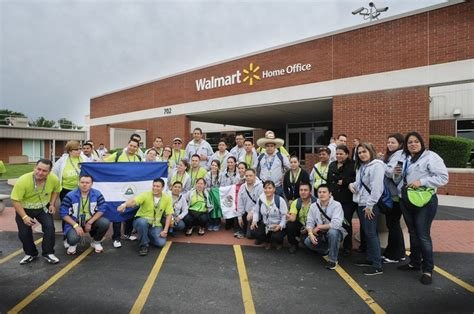 international associates visit the walmart home office in
