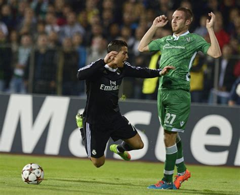 cristiano ronaldo dive ludogorets 1 2 real madrid tougher to than expected