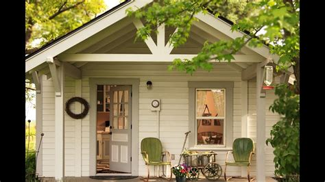 cozy small home design this cozy charming cottage tiny home with classic vintage interior great small house